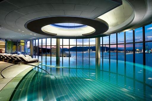 Bể bơi gia đình có kích thước từ 100 đến 200m2.