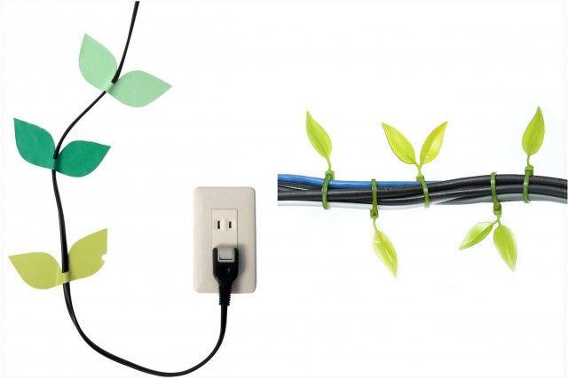 Dùng dây nhựa, băng keo màu sắc để cố định lại đường dây điện