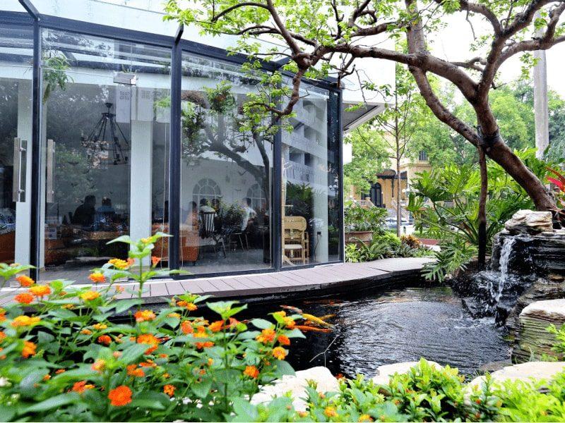 Thiết kế sân vườn đơn giản - tinh tế